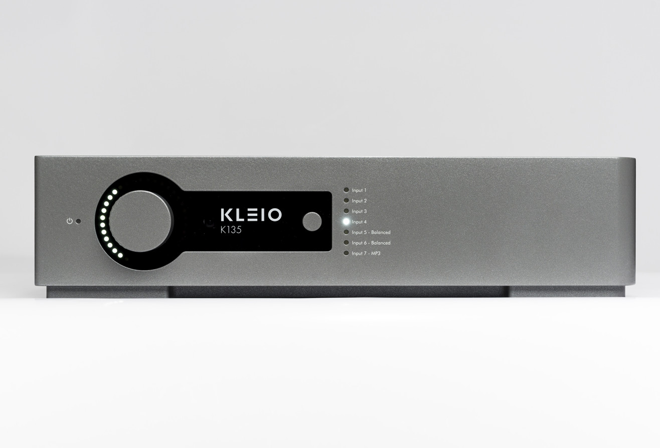 Picture of front of K135 Integrated Amplifier