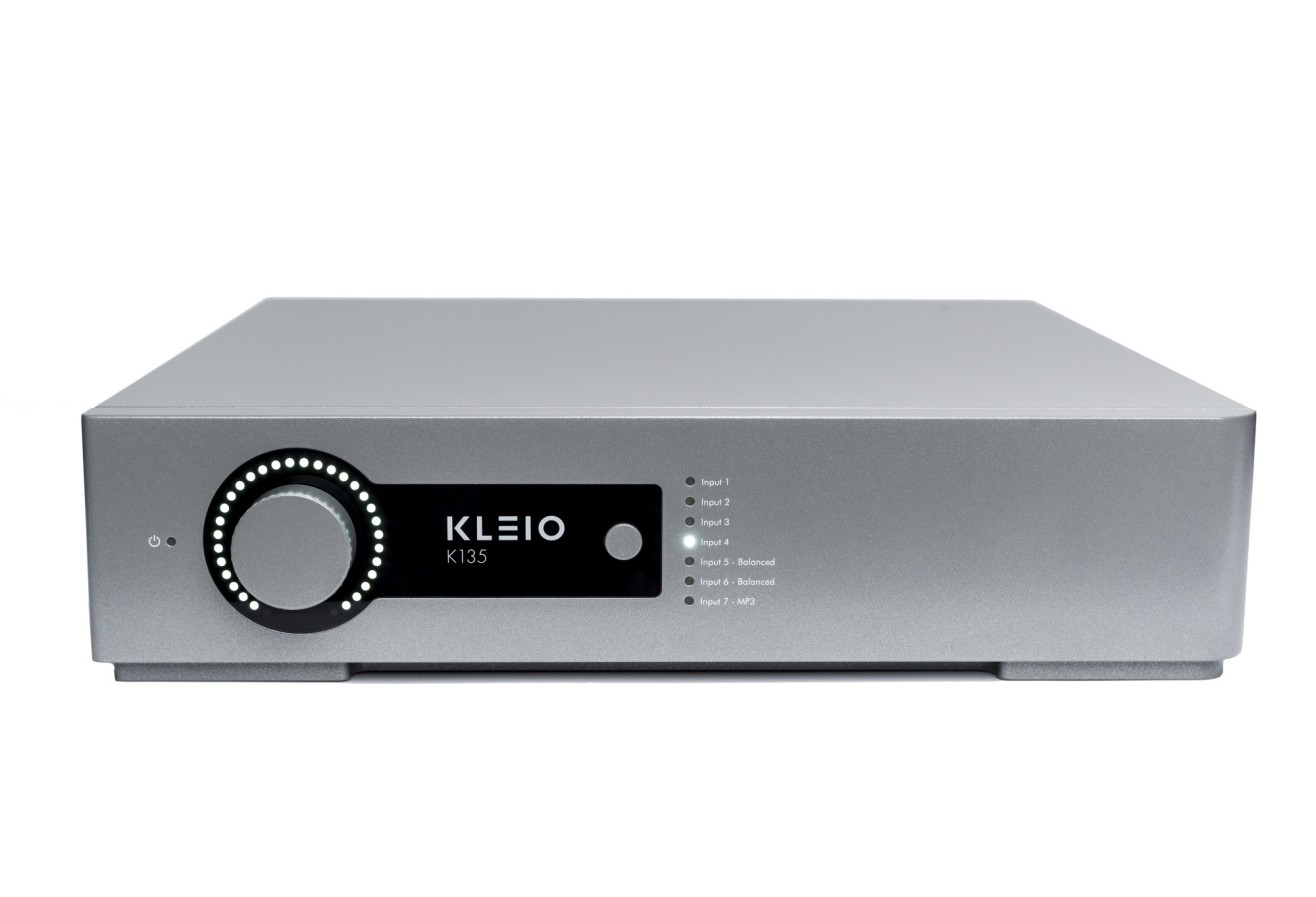 Front profile picture of Kleio K135 integrated amplifier